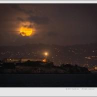 Full moon over Alcatraz – San Francisco