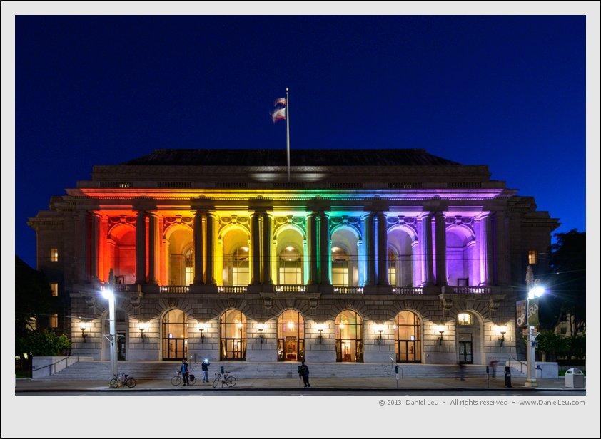 San Francisco S City Hall Shines In Rainbow Colors