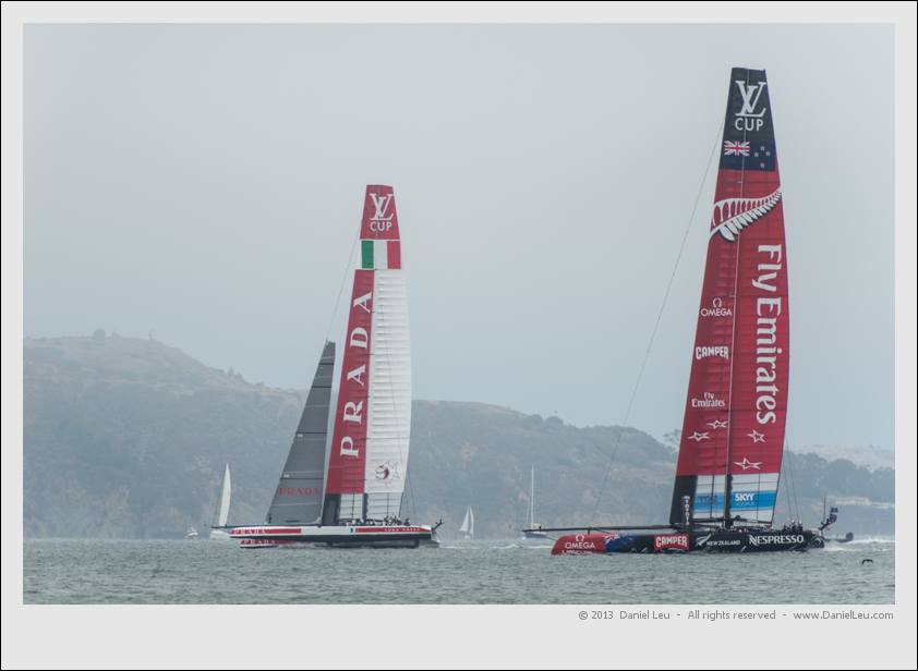 ETNZ and LR upwind in leg 3. ETNZ without their jib.
