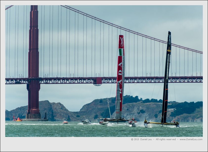 Artemis and Luna Rossa after mark 1 heading downwind