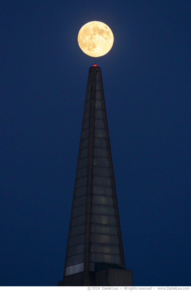 Moon over Transamerica Tower
