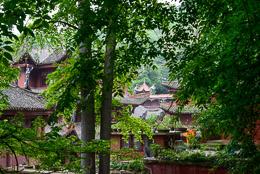 DL_20140420_DSC4874_Guiyang_China_Qianling_Park.jpg
