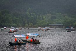 DL_20140420_DSC5015_Guiyang_China_Qianling_Park.jpg