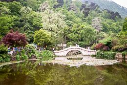 DL_20140420_DSC5043_Guiyang_China_Qianling_Park.jpg