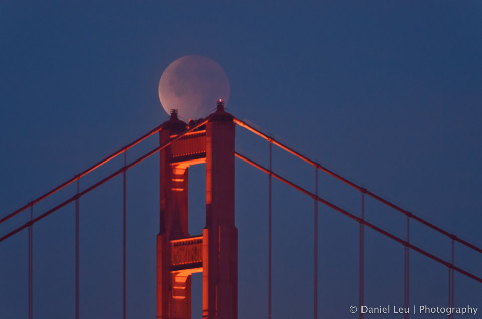 lunar_eclipse_golden_gate_bridge_DL_20111210_DSC0844.jpg