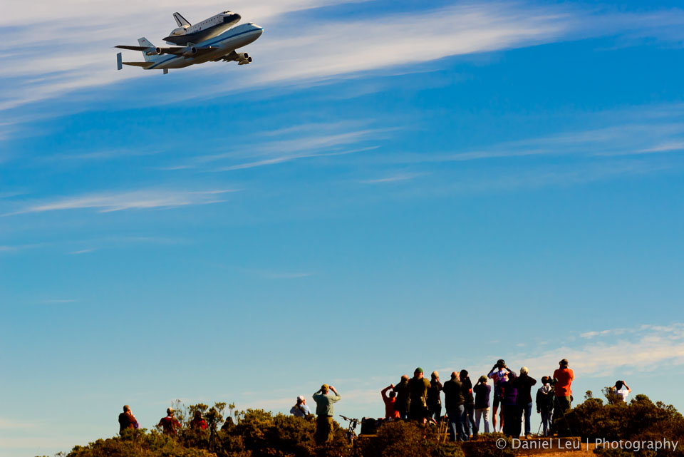 People watiching Space Shuttle Endeavour in San Francisco on it's last flight to the Space Museum in Los Angeles.