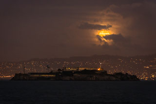 Alcatraz_Full_Moon_DL_20121128_DSC2356.jpg